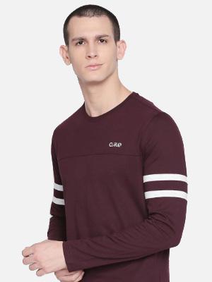 Deep maroon long sleeved T-shirt.