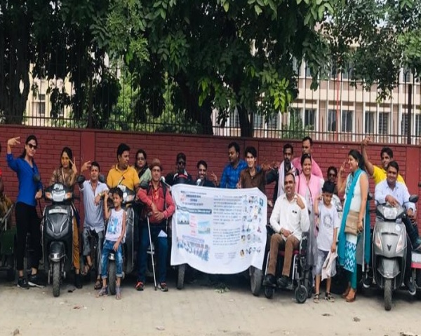 Image of the group taking part in the accessible awareness ride