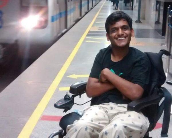 Image of Shourya Sood at a Delhi Metro station