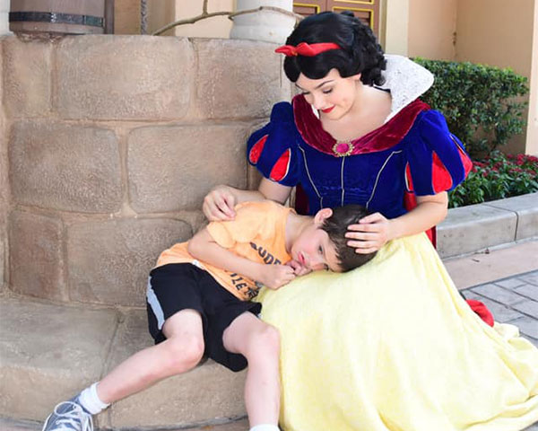 Images of snow white comforting boy