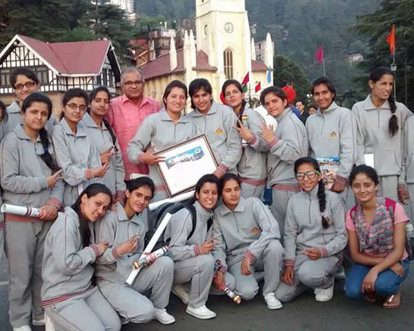 students with Ajai on shimla ridge