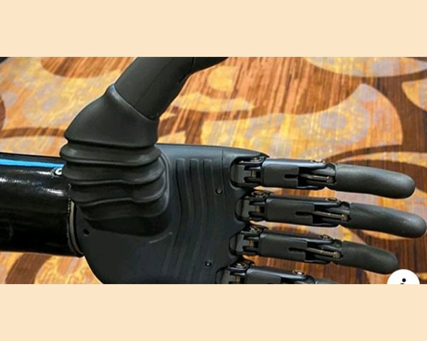 CES 2020 prosthetic hand