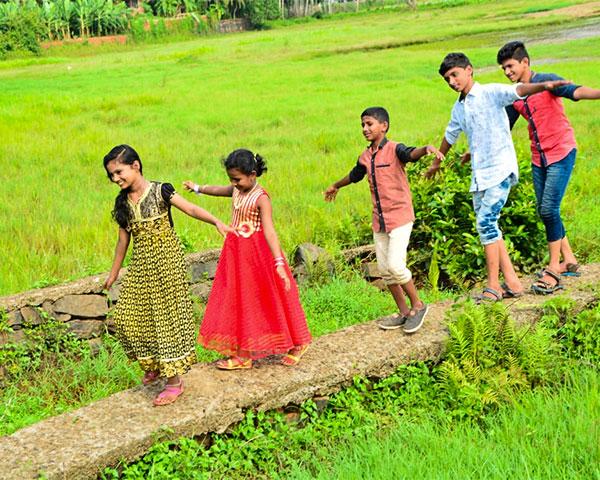 mounaksharangal malayalam deaf movie