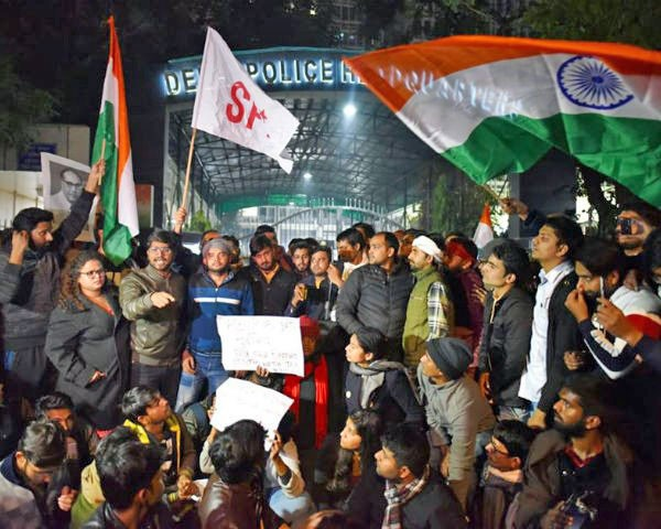 Students protest against JNU violence