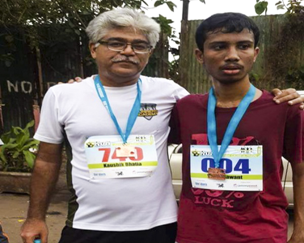 Varun Sawant with co-runner Kaushik Bhatia