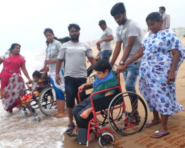 marina beach wheelchair friendly