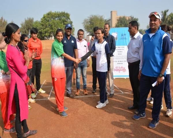 Captains of Maharashtra and Gujarat teams