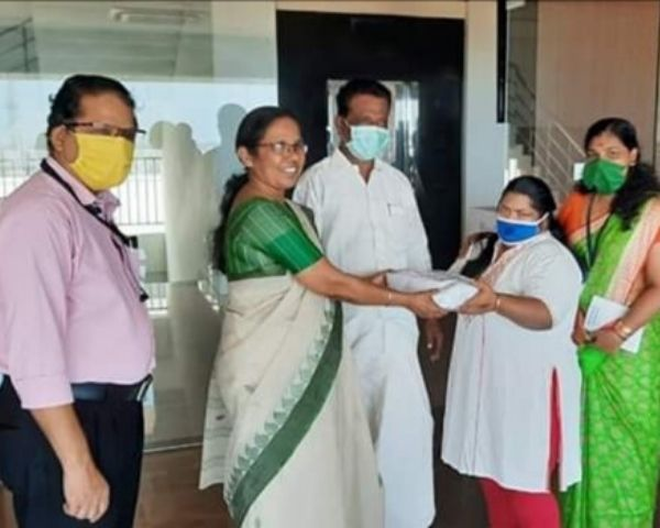 raji giving mask to shailaja