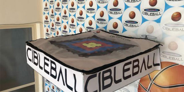A Cibleball table.