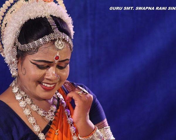Swapnarani Sinha dancing the Odissi