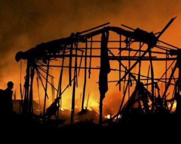 fire in delhi slum