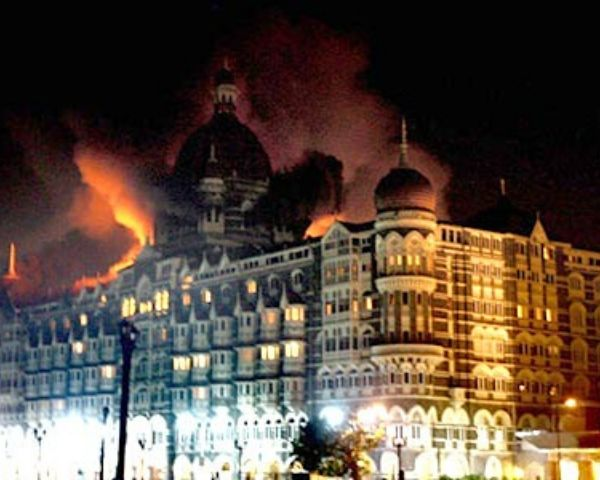Taj Hotel in Mumbai on fire during attack