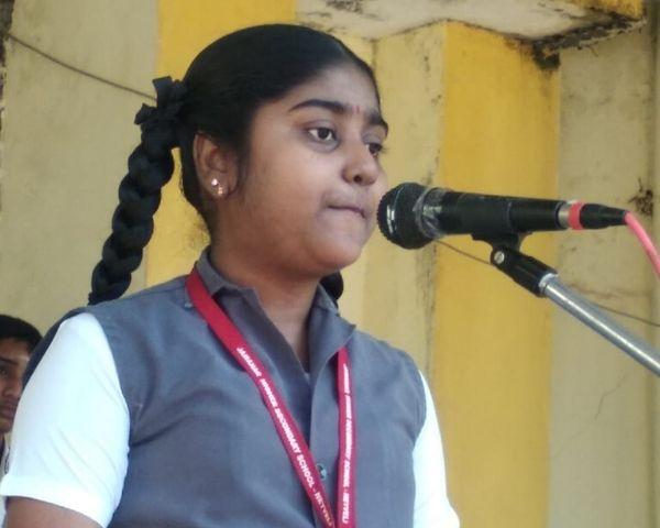 Oviya in her school uniform