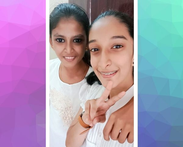 two girls selfie and smiling