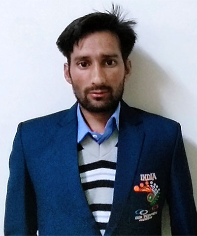 Gurmeet Dhiman, Physically disabled cricketer from Himachal Pradesh.