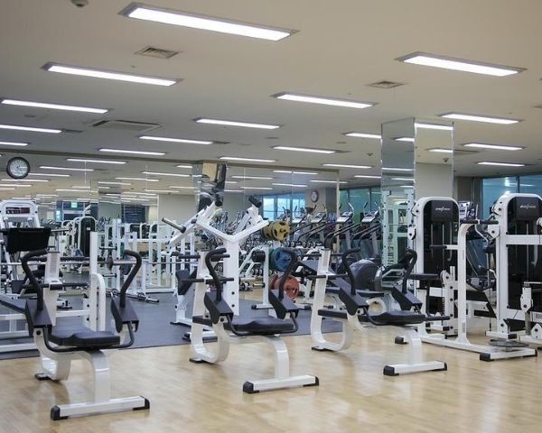 Inside image of an gym with equipment