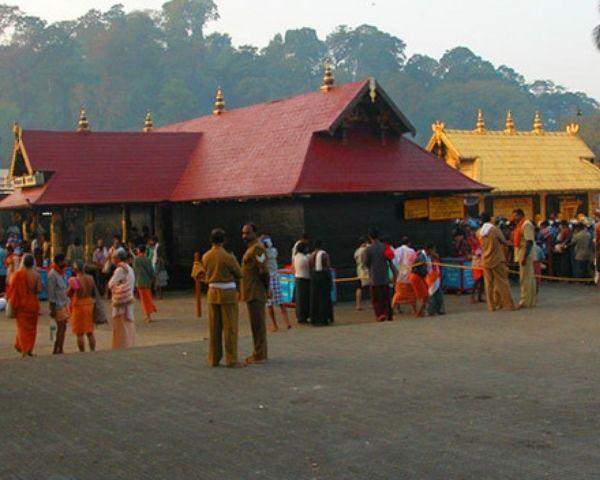 Image of devotees outside Sabarimala temple
