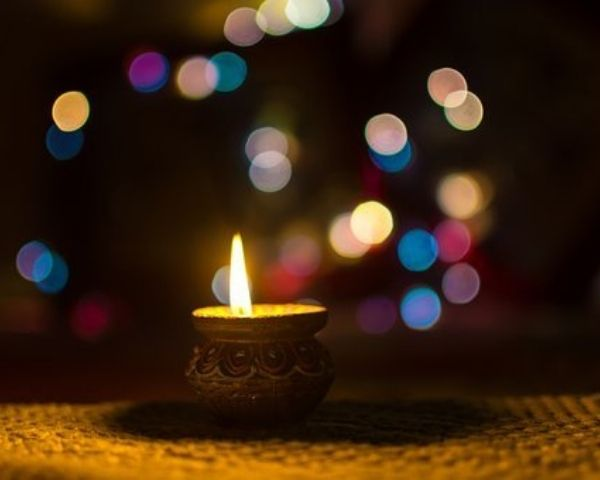 Image of diyas for diwali